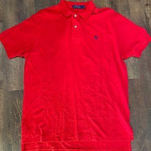 Men's short sleeve polo shirt.